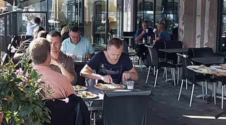 Dinos Bar & Grill Åland Online